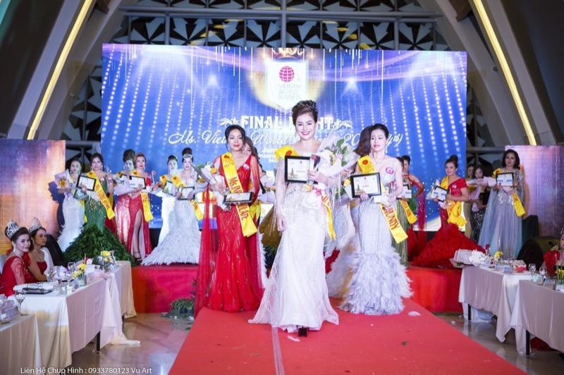 Hành trình chinh phục, tỏa sáng và đăng quang của tân Á hậu Hạnh Võ