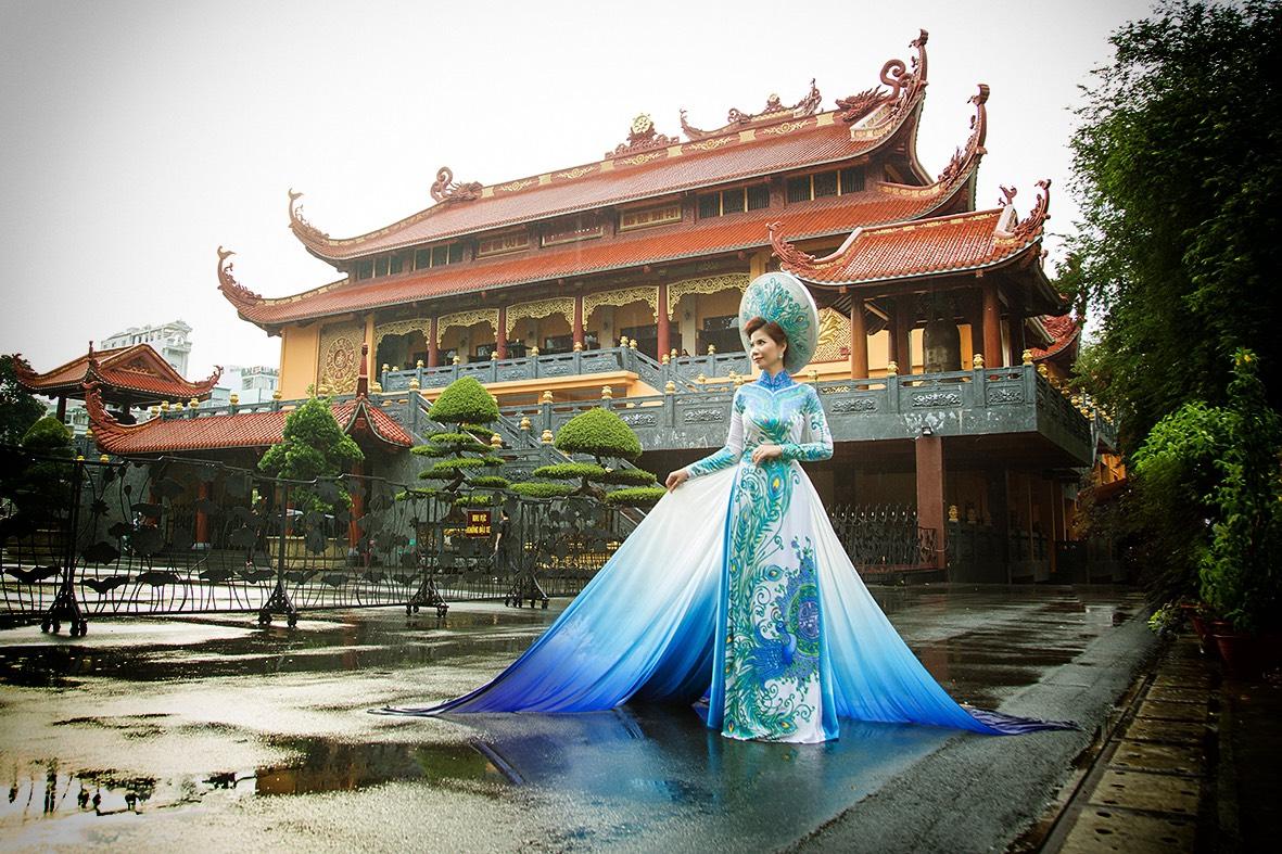 """Hoa hậu Nhung Nguyễn: """"Vẻ đẹp thật sự bắt đầu từ thần thái, khí chất…"""""""